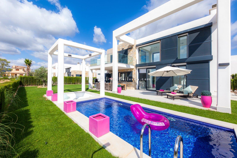 Moderne Villa Mit Hochwertiger Ausstattung Besondere Architektur